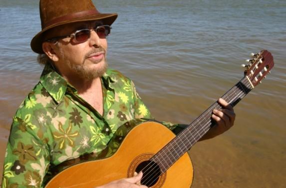 O cantor Geraldo Azevedo fecha o primeiro dia da Mostra