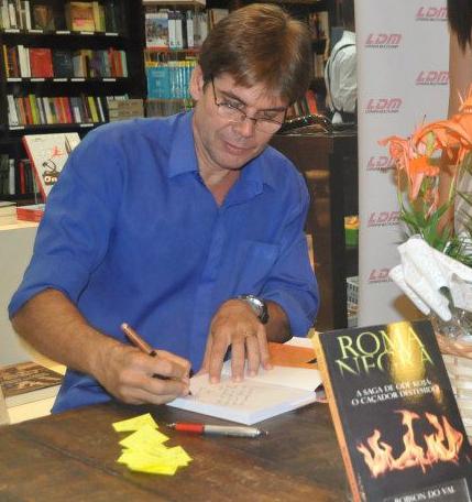 O livro foi lançado em março em Salvador