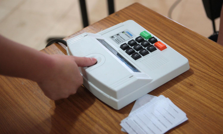 Com o sistema de biometria, a assinatura do eleitor será a sua digital