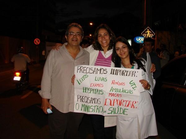 Em julho, médicos e estudantes protestaram em Conquista