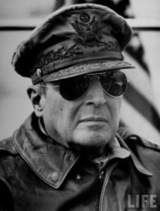 general Douglas Mac Arthur