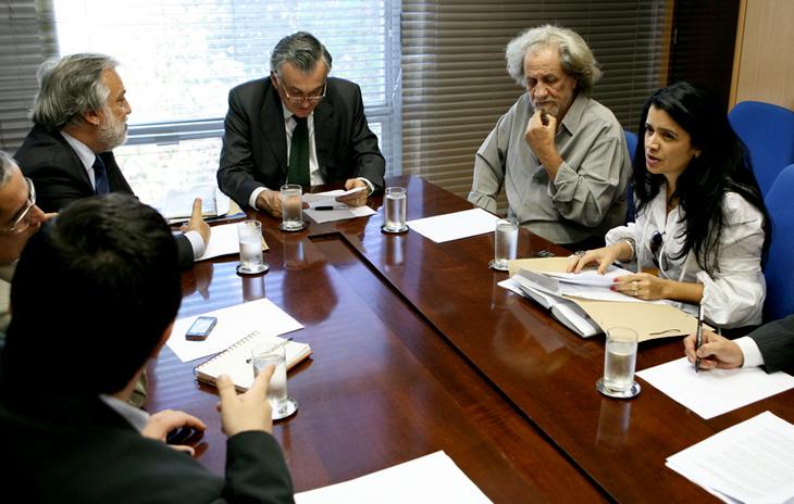 Elomar e Rossane em Brasília durante reunião com o então ministro da Cultura, Juca Ferreira, em 2010. (Foto: Rodrigo Coimbra/MinC)
