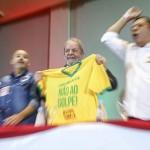 """Lula: """"Não podemos nos dividir entre vermelhos e verde-amarelos"""""""